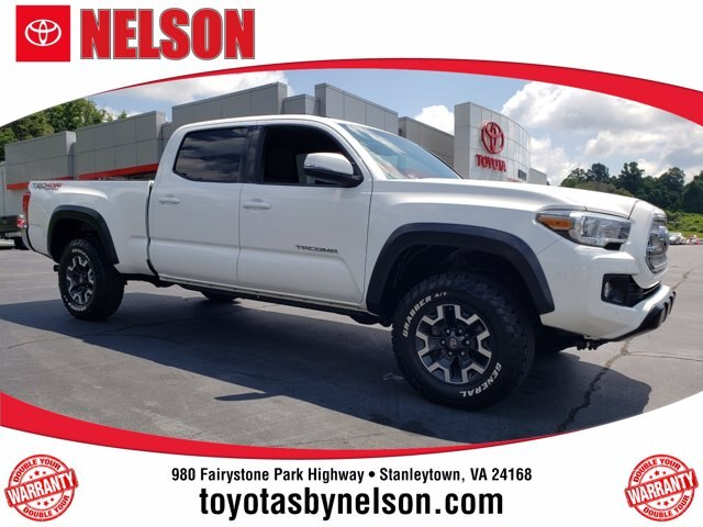 Pre-Owned 2017 Toyota Tacoma TRD Off Road V6